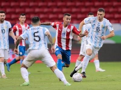 Albirroja sin ideas pierde ante Argentina en la Copa América