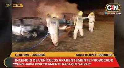 Automóviles arden en llamas en Lambaré
