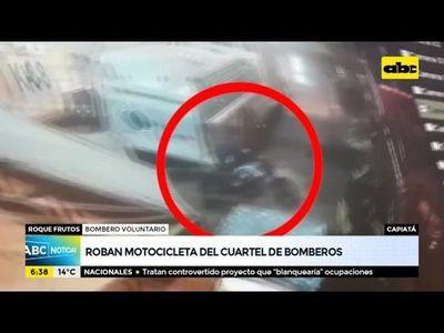 Roban motocicleta del cuartel de bomberos