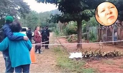 Hallazgo de cadáver de una mujer en calle de Pirayú. Cuerpo estaba desnudo. Hay un demorado
