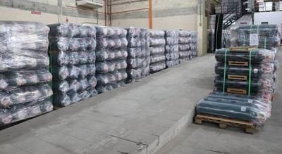 EBY entrega 500 balones de oxígeno a Salud Pública