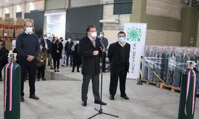 EBY entrega a Salud 500 balones de oxígeno para hospitales
