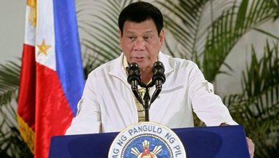 """""""Si no quieren vacunarse, los arrestaré y les inyectaré la vacuna en el trasero"""", advirtió Presidente de Filipinas."""