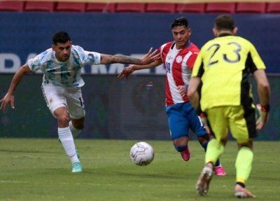 Arzamendia será jugador del Cádiz de España, afirman