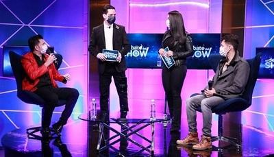"""Extraño debate en televisión sobre quién tiene la """"vara más larga"""""""