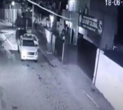 Ciudadano denuncia a la Policía por daños en su rodado