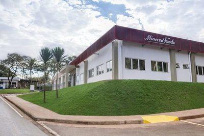 Athena Foods certifica uso de energía limpia en el 100% de sus operaciones