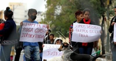 La Nación / Indígenas reclaman respuestas al Indi sobre violento desalojo en Alto Paraná