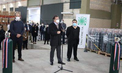 Yacyretá entrega 500 balones de oxígeno a Salud