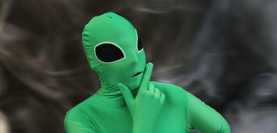 Amor extraterrestre: Mujer afirma que está saliendo con un aliens «no me quiere solo para tener sexo»