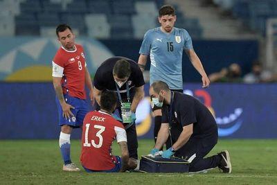Erick Pulgar y Guillermo Maripán sufren lesiones tras choque con Uruguay