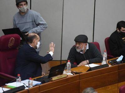 Óscar Salomón es reelecto como titular del Congreso Nacional