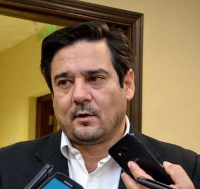 """Salyn Buzarquis """"exhortó"""" a Efraín Alegre a propiciar el """"abrazo liberal"""" y mirar el 10 de octubre y el 2023"""