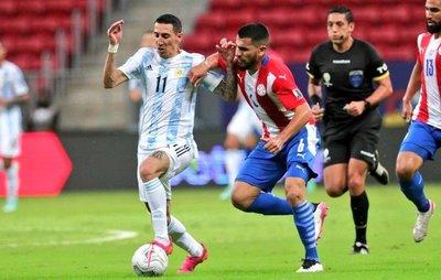 Paraguay en partidos oficiales: 171 centros, 54 córners y ni 1 gol
