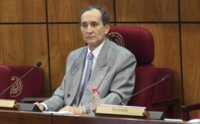 """Senador lamenta """"fuga de votos"""" en la elección de la mesa directiva"""