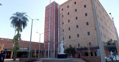 La Nación / Justicia rechazó amparo para vacunarse de una mujer con tumor y le impone pagar costas del juicio