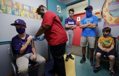 Chile empezó a inmunizar a menores entre 12 y 17 años