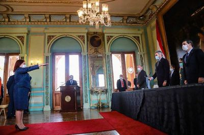 Embajadora paraguaya ante México juró este martes