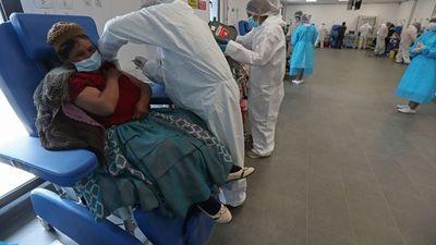 Bolivia comenzará a vacunar a mayores de 30 años contra la covid-19
