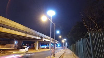 Señalizan carriles en avenida Primer Presidente para ordenar el tránsito