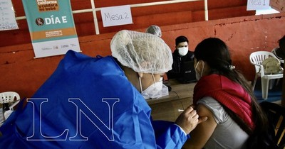 La Nación / Piden a la ciudadanía registrarse y acudir a vacunarse contra el COVID-19