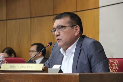 Senador Santacruz niega que elección de mesa directiva sea para propiciar invasiones de tierra