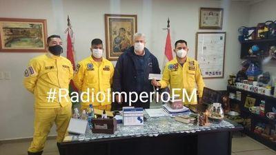 Municipalidad entregó aporte de 15 millones de guaraníes al Cuerpo de Bomberos Voluntarios