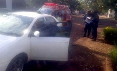 Encuentran sin vida a un hombre en su vehículo