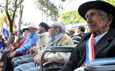 Atención: Hoy cobran más de 238.000 adultos mayores y pensionados