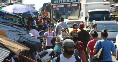 La Nación / Analizan instalar vacunatorios en mercados ante baja asistencia en shoppings