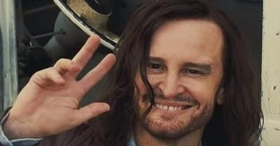 """Salen a la luz escenas eliminadas de Charles Manson en """"Había una vez en Hollywood"""" de Tarantino"""