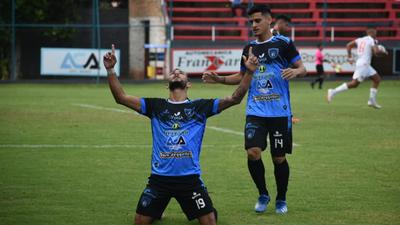 Resumen del partido Atyrá FC 2-1 General Díaz