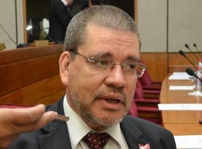 Salomón se alió con 'gente que apoya la invasión de tierras y la despenalización del aborto', dice senador Barrios