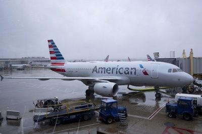 American Airlines no canceló vuelos por coágulos en su tripulación vacunada