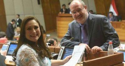 Investigada por enriquecimiento ilícito reemplazará a Romero Roa