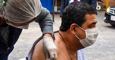 La Nación / Hugo Velázquez se acaba de inmunizar con la vacuna Moderna