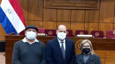 Hermelinda Alvarenga se retira de la bancada llanista del PLRA