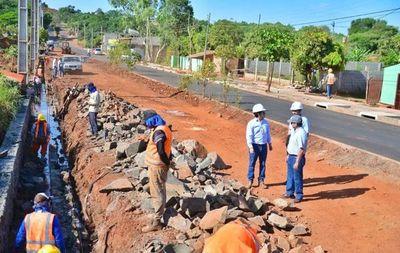 Autorizan firma de contrato para asfalto en Ciudad del Este