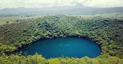 La Nación / Destino LN: Bella Vista Norte, sitio que resguarda la caverna acuática y el ojo de mar