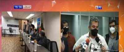 Gremio de docentes anuncia protestas ante posible recorte de presupuesto
