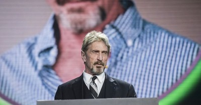 La Nación / Fundador de McAfee fue hallado muerto en cárcel española