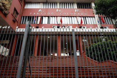 """ANR: Un apadrinado, investigada por coacción sexual a menores y """"compravotos"""" son parte de las propuestas para Asunción"""