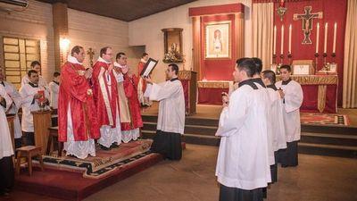 Monseñor   suprime Comunidad Misionera de Hernandarias