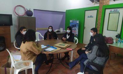 MINNA presenta a la Codeni de Caaguazú material lúdico para prevención de la violencia hacia niñas, niños y adolescentes