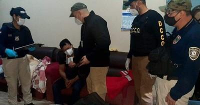 La Nación / Operativos dejan varios detenidos por asalto a intendente, entre ellos un policía
