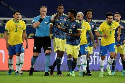 Colombia solicita a Conmebol la suspensión del árbitro Néstor Pitana