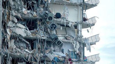 Al menos un muerto tras derrumbe parcial de edificio en Miami