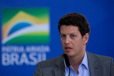 Renunció un ministro de Jair Bolsonaro que es investigado por corrupción