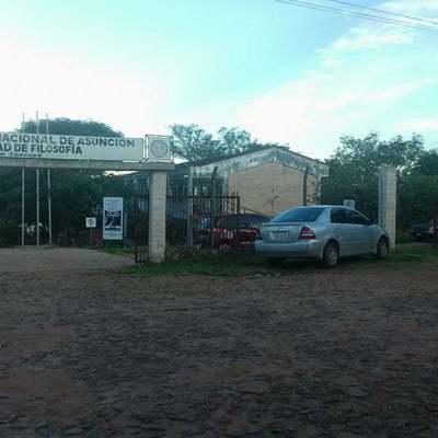 Caacupé: Estudiantes piden revertir resolución que dispuso el cierre de la carrera de Letras