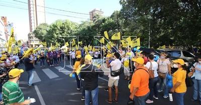 La Nación / Docentes anuncian movilización el 29 de junio